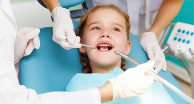 Советы родителям: почему нужно обязательно лечить молочные зубы?
