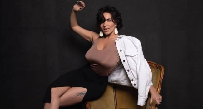 «Вкусняшка!» Надя Мейхер предстала перед камерой без белья, восхитив своим стильным образом