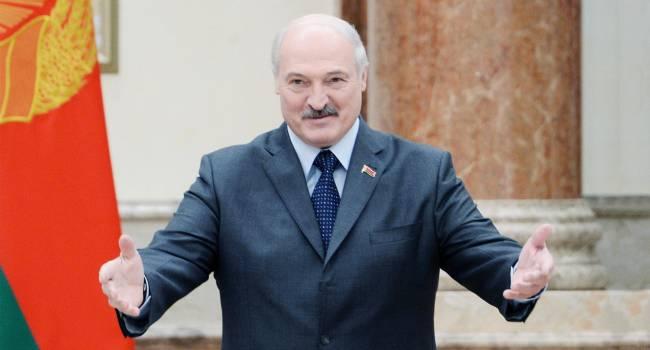 «Двойная игра удваивает не только деньги, но и риски»: Политолог объяснил, почему Лукашенко позволяет себе публично «наезжать» на Россию