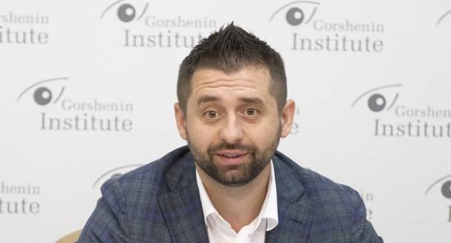 «Нужно указывать на ошибки или предлагать альтернативу»: Арахамия раскритиковал парламентскую оппозицию