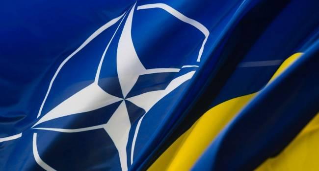Опрос показал, что военный союз Украины и России сегодня одобряют 5,5 процента украинцев, за вступление в НАТО - 51 процент