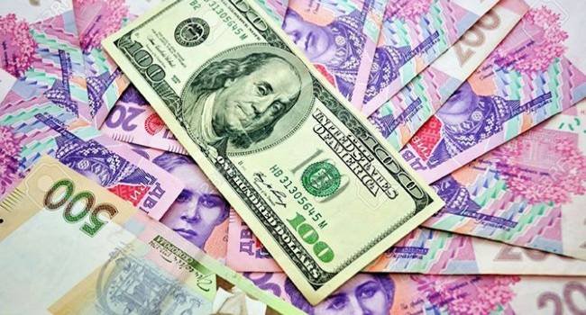«Тренд станет устойчивым, но резкого обвала гривны не буде»: эксперты прокомментировали начавшееся укрепление доллара