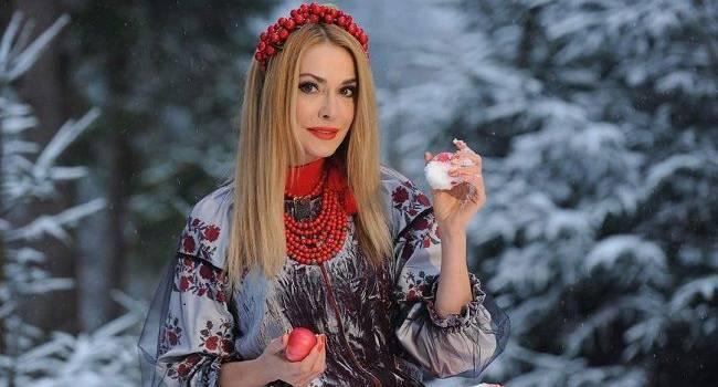 «Так и остались прелестно нежны»: Ольга Сумская показала детские фотографии с утренника, позируя со своей страшней сестрой Натальей