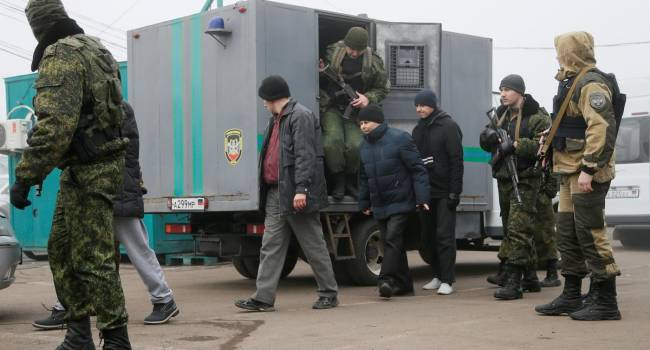 За фактом виходить, що відбувається обмін одних ветеранів на інших: в ОРДЛО Україна передала двох учасників АТО