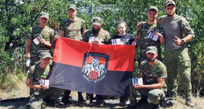«Слава Украине!»: «Правый сектор» на КПВВ «Майорск» навел ужас на российских пропагандистов
