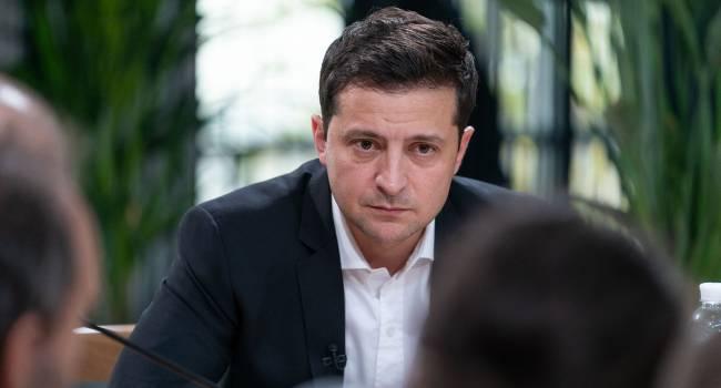 «Не спекулирует на тех темах, на которых спекулировала команда Порошенко, раскалывая общество»: Политолог объяснил, за что стоит похвалить Зеленского