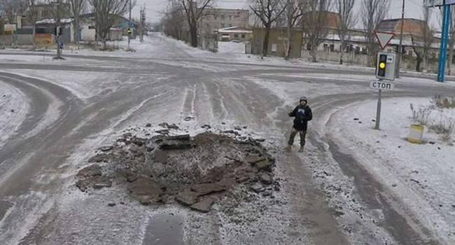 «Начался настоящий ад»: С самого утра в Донецке взрывы снарядов, звуки боя, город весь трясется