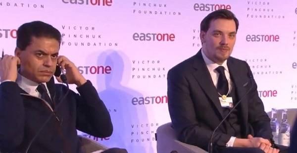 Инвестор в Давосе опустил Гончарука с небес на землю: Нас интересует стабильность в стране. Вы недавно говорили об отставке