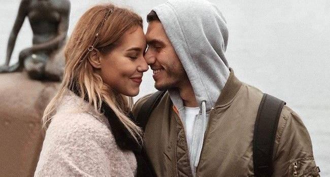«Адам и Ева!» Никита Добрынин взбудоражил сеть фото, на котором он со своей невестой позирует без одежды