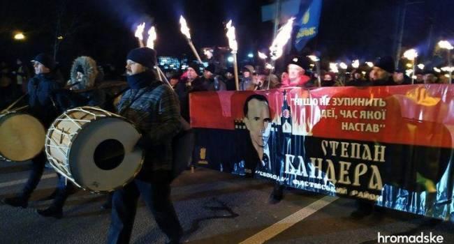 Политолог: реакция поляков на факельный марш в Украине ко дню рождения Бандеры четко показала – им есть разница