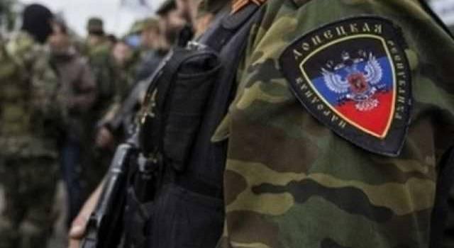 «Работают вооруженные группы захвата»: Жители в панике сообщают о ситуации в Донецке