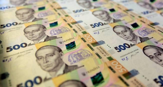 «Опередили Россию и Беларусь»: В Украине впервые с 2008 года минимальная зарплата в долларовом эквиваленте стала выше, чем в двух соседних странах