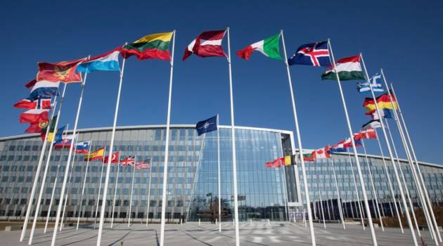 НАТО проведет экстренное заседание: названа причина