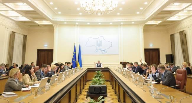 «Украиной управляет «правительство Сороса», вот ему и нужно задавать все вопросы»: Эксперт утверждает, что Зеленский ничего не решает