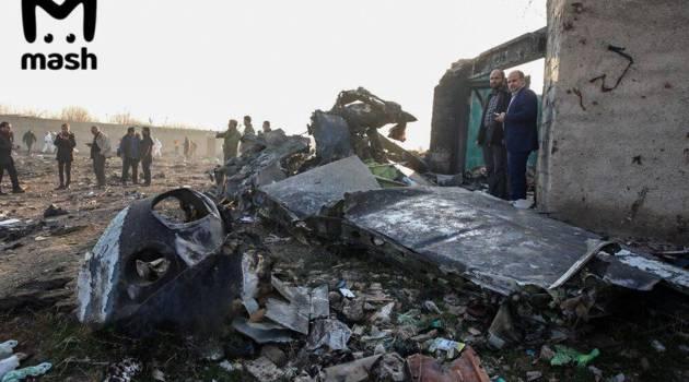 Опубликованы первые снимки с места крушения украинского лайнера в Иране: сообщается о нахождении черного ящика