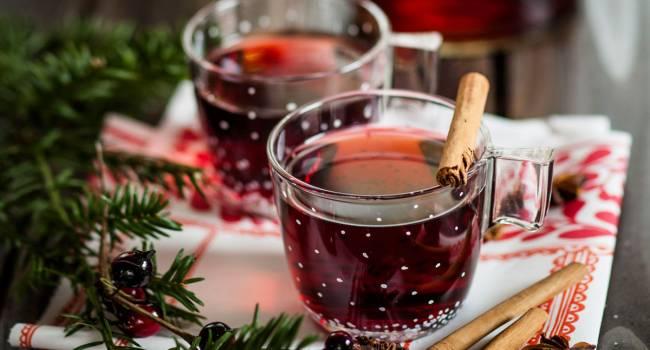 Согревайтесь в холода: рецепт вкусного глинтвейна с фруктами