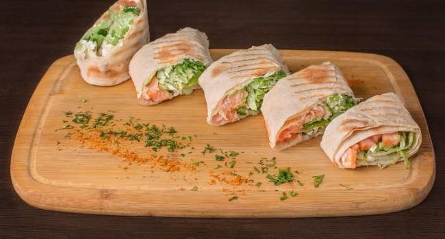 Идеальная закуска: как приготовить вкусный лаваш с красной рыбой
