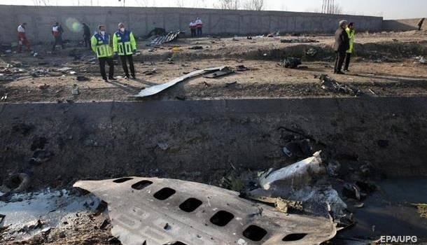 Bloomberg: Киев и Тегеран договорились совместно расшифровывать черные ящики самолета МАУ