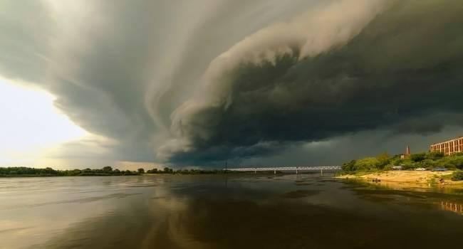 Наводнения, ураганы и другие катаклизмы: метеорологи предупредили о непростой погоде в этом году