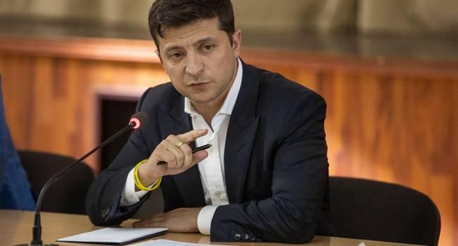 Зеленский не понимает, что затягивая с принятием решения, он превращается в слабака, который только и может, что грозить кулачками - Денисенко