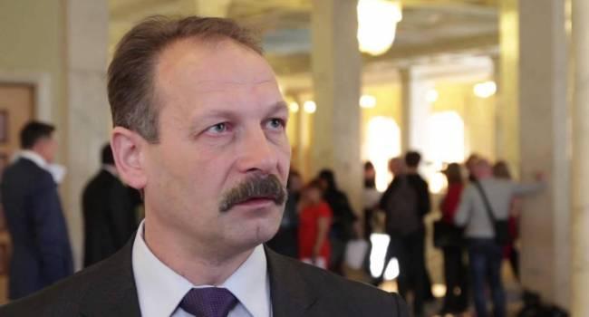 Шоу с «пленками Гончарука» могли устроить для того, чтобы отвлечь внимание общественности от закулисных договоренностей с Кремлем и распродажи земли - Барна