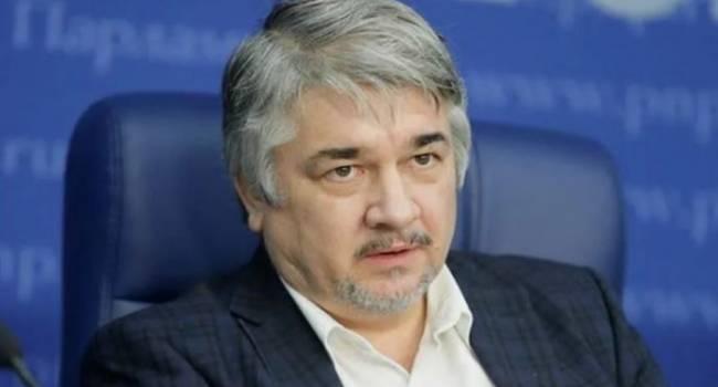 «Повторят судьбу Донецка и Луганска»: политолог рассказал об отдалении некоторых регионов от Киева