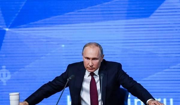 Реализовать казахстанский сценарий: Фейгин пояснил, с какой целью Путин отправил в отставку Медведева