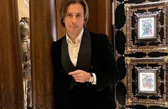 «Голос уже как у жены стал»: Максим Галкин спел самые популярные песни Игоря Николаева, и покорил сеть