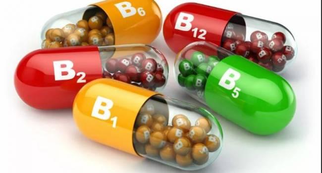 Не меньше одного месяца: врач рассказала о правилах приема витаминов