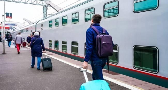 Никто не покупает билеты: в России изменили график движения поездов в Крым