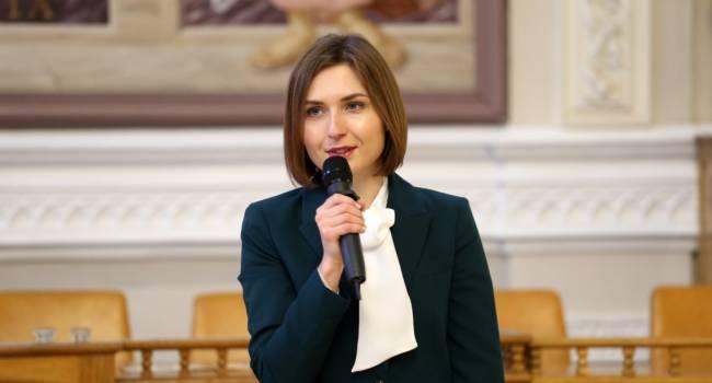 «Руки загребущие»: Анна Новосад очень озабочена своей маленькой зарплатой