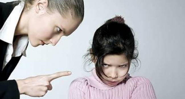 «Пример заразителен»: Психологи называют, как не должны поступать родители при своем ребенке