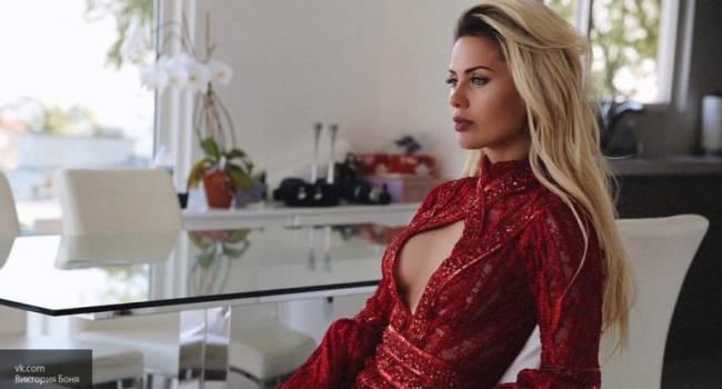 «Вы с платьем просто прекрасно дополняет друг друга»: Виктория Боня восхитила своим безупречным образом на красной дорожке