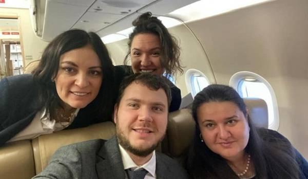 «Самолетик за свои сняли?»: украинцы раскритиковали чиновников из-за фото с Давоса