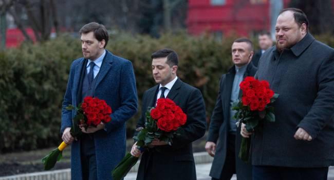 «Зеленский хочет подретушировать историю»: Уколов заявил, что президент Украины не назвал главного агрессора, уничтожившего УНР