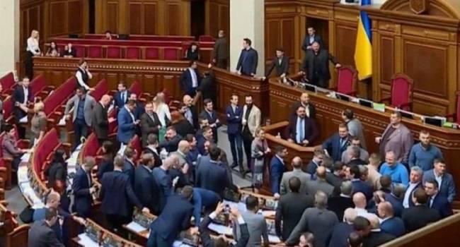 Блогер: из Украины все-таки лепят маленькую Россию: КВНщики пишут нам законы, а теперь еще и есть объединение – «за традиционные ценности»