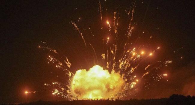 «Вот это шарахнуло…»: Появилось видео мощнейшего взрыва в Песках, все в огне и дыму