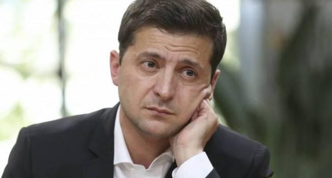 Эксперт: Зеленский боится. С одной стороны, он боится Путина, с другой - «воинствующее меньшинство» внутри Украины