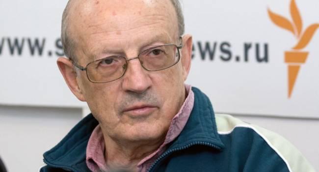 Пионтковский: В Украине сегодня есть лишь  две партии. Одна сопротивляется агрессору, вторая готова капитулировать