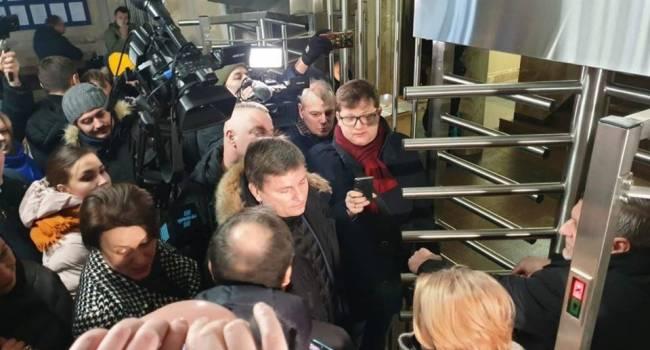 Журналист: поклонникам Зеленского есть от чего биться в истерике