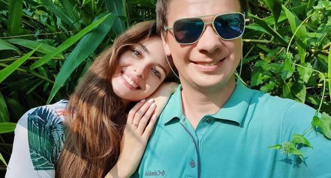 «Жену хочется видеть чаще»: Дмитрий Комаров поведал, как изменилось его отношение к работе после свадьбы