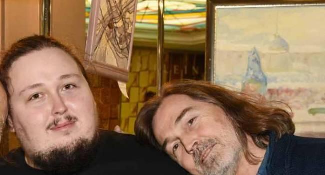 «От такого веса, умрет скоро»: 240-килограммовый сын Никаса Сафронова показал, как у него слазит кожа