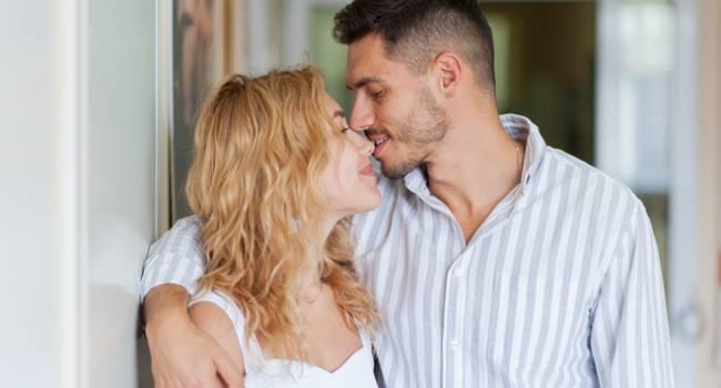 «Макс, пожалуйста, не целуйся со всеми подряд на проекте»: Добрынин обратился к новому «Холостяку»