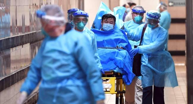 «Симптомов очень много»: Медики объяснили, какие признаки сопровождают новый опасный коронавирус из Китая