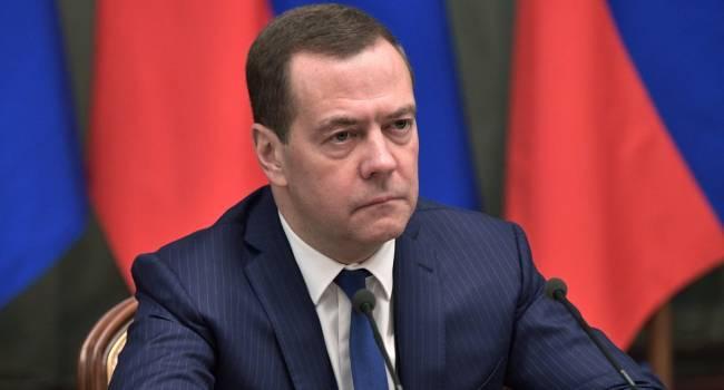 Появились новые подробности отставки Медведева: его никто не увольнял, он сам ушел