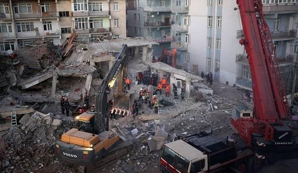 Жертв уже 35: в сети показали ужасные последствия землетрясения в Турции
