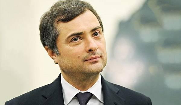 Пєсков каже, що Сурков фактично залишається помічником російського президента