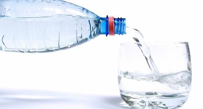 «Не пей много, козленочком станешь»: Употребление минеральной воды не всегда на пользу здоровью
