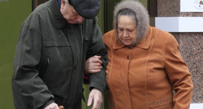 «Откройте глаза, когда пишите законы»: Не каждому в Украине под силу докупить нужный стаж для выхода на пенсию