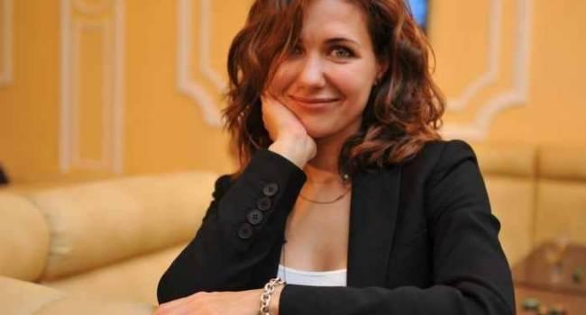 «Приятно посмотреть на красивую женщину»: актриса Екатерина Климова сразила наповал фото в купальнике